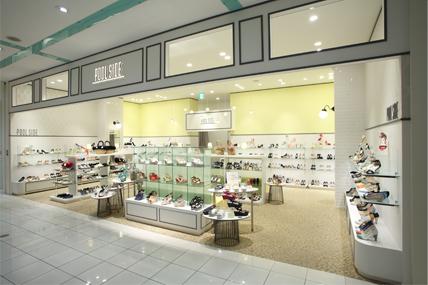 POOLSIDE 金沢フォーラス店